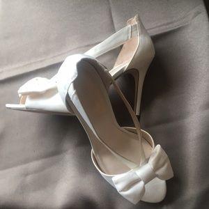 Shoes - David's Bridal Off-White Sandal Size 8